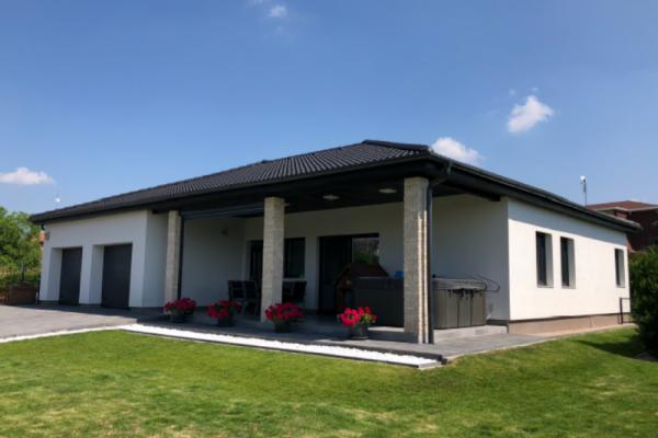 XXII. kerület Budafok-Kamaraerdő új építésű  családi ház.